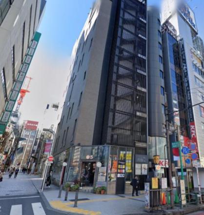 新宿駅徒歩4分 1F 靖国通り沿い角地の店舗物件(34255)【飲食相談】外観