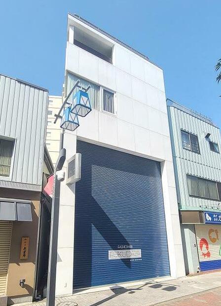 亀有駅徒歩3分 1-2F 現況:アパレルの一括貸店舗物件(35254)【軽飲食可】外観